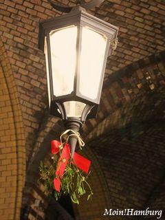 ランプとヤドリギ飾り